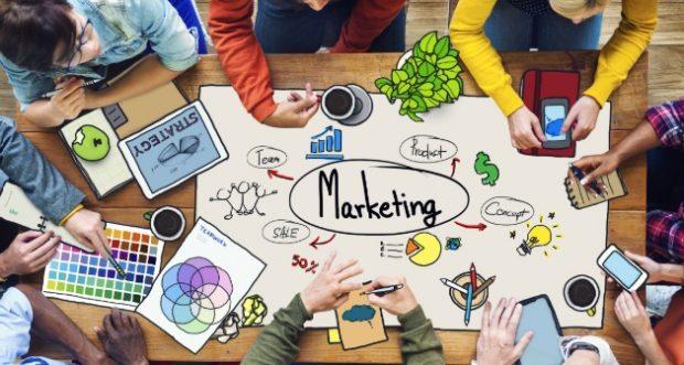 Tập trung và các nhóm đối tượng khách hàng tiềm năng